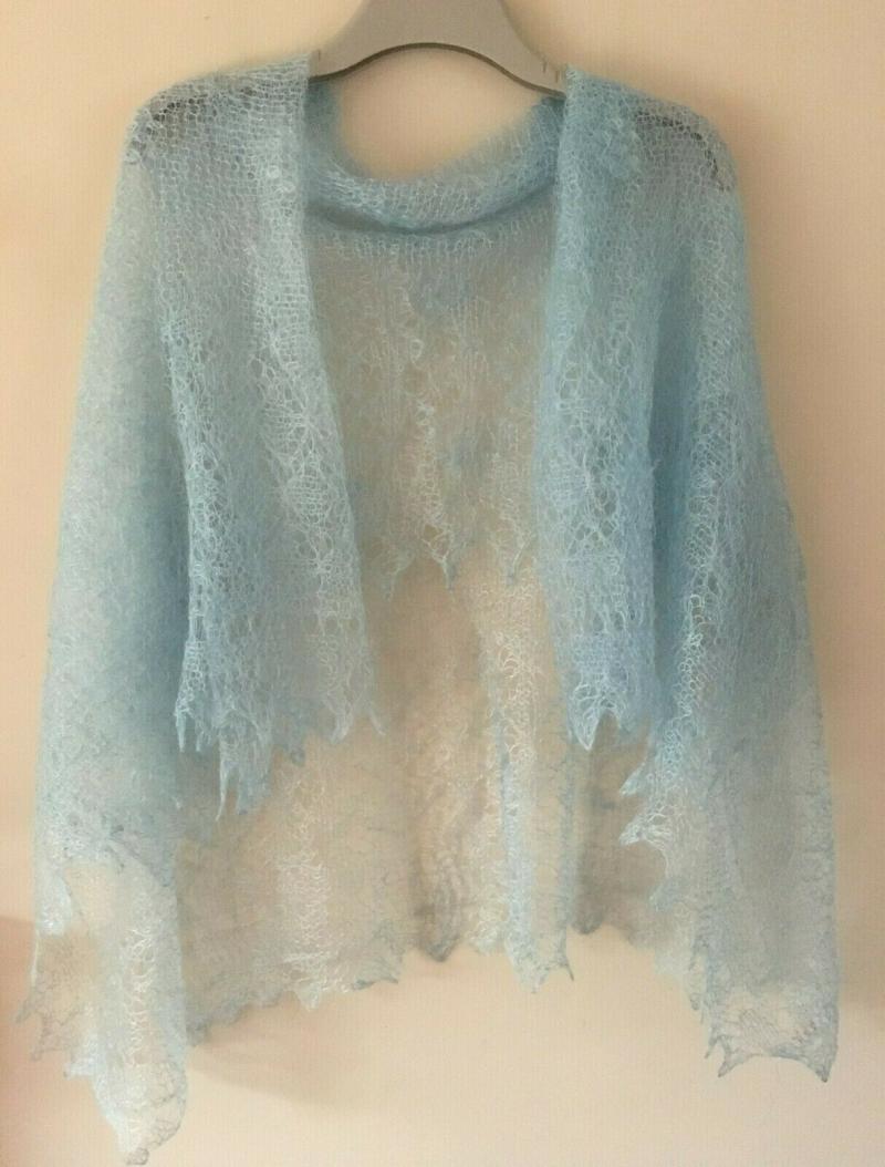 Kleinesbild - Luxus-Orenburg-Schal aus Ziegenwolle mit 20% Seide, 140 x 140 cm, Farbe: wasserfarben