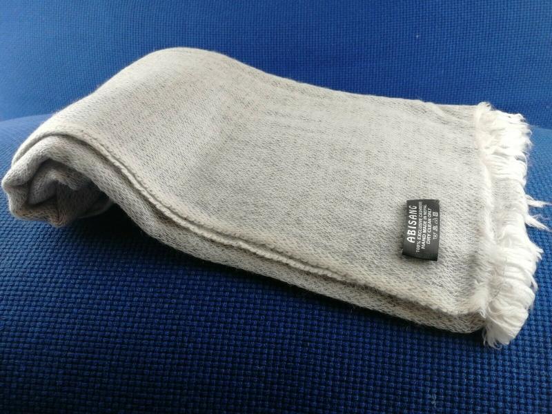 - Handgearbeiteter Schal mit 100% Cashmere-Wolle aus Nepal, 200 x 70 cm, Unikat                                                                             - Handgearbeiteter Schal mit 100% Cashmere-Wolle aus Nepal, 200 x 70 cm, Unikat