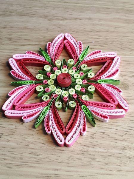 -  Mandala pinkfarben, Durchmesser 12 cm aus Kartonpapier, Handarbeit  -  Mandala pinkfarben, Durchmesser 12 cm aus Kartonpapier, Handarbeit