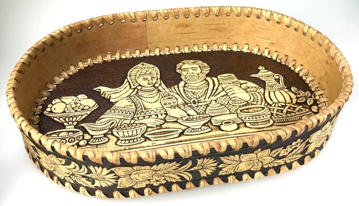 Kleinesbild - Birkenrinden-Dose mit Deckel, Motiv Kloster, Handarbeit, Unikat, 10,5 cm