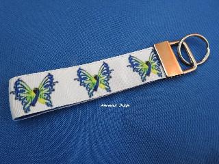 - Schlüsselband / Schlüsselanhänger Schmetterling mit Schleife ♥ Down-Syndrom♥   - Schlüsselband / Schlüsselanhänger Schmetterling mit Schleife ♥ Down-Syndrom♥