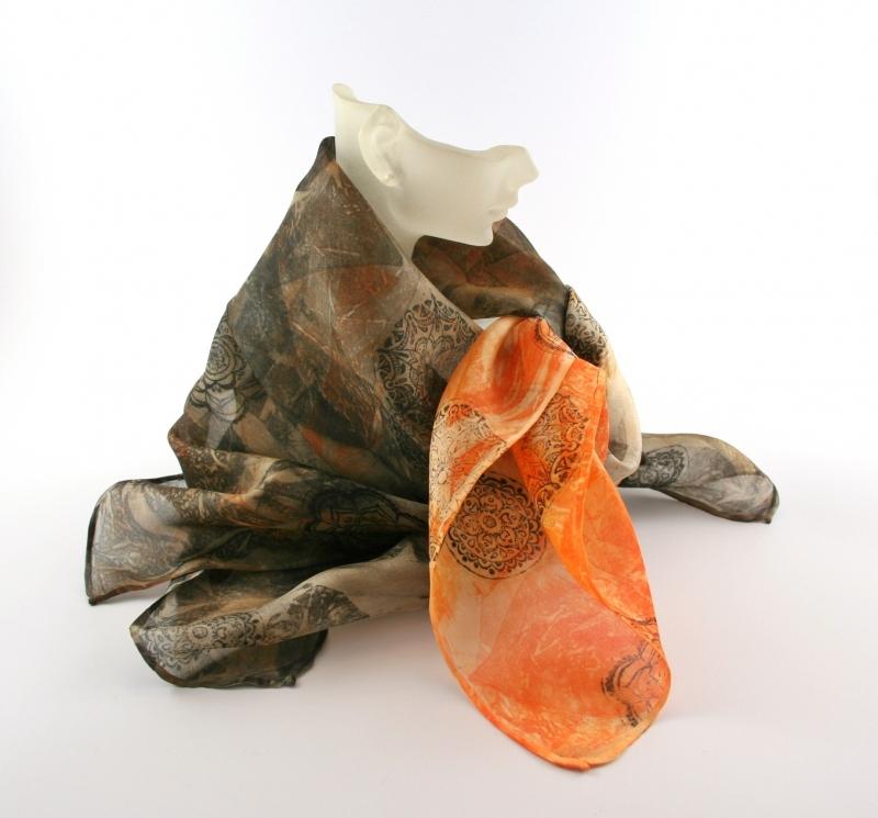Kleinesbild - Seidentuch 55x55 cm FrechDachs Unikat von ZWEIFARIG Accessoire Halstuch Nickituch handgefärbt