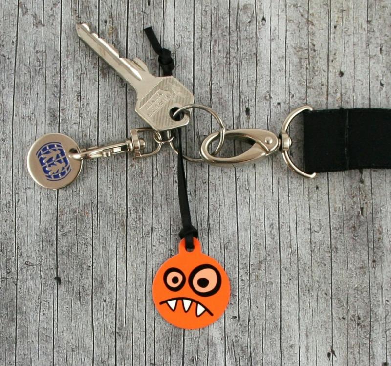Kleinesbild - Anhänger **MonstAAA12** von ZWEIFARBIG 3,2cm Glücksbringer Schlüsselanhänger Einschulung Taschenanhänger Kindergarten Geburtstag Geschenk