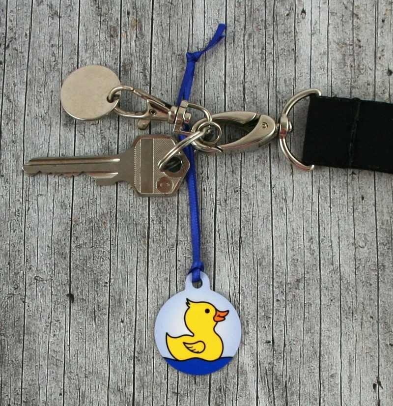 Kleinesbild - Anhänger **Quirin Quack** von ZWEIFARBIG 3,2cm Glücksbringer Kindergarten Geburtstag Einschulung Schlüsselanhänger Geschenk