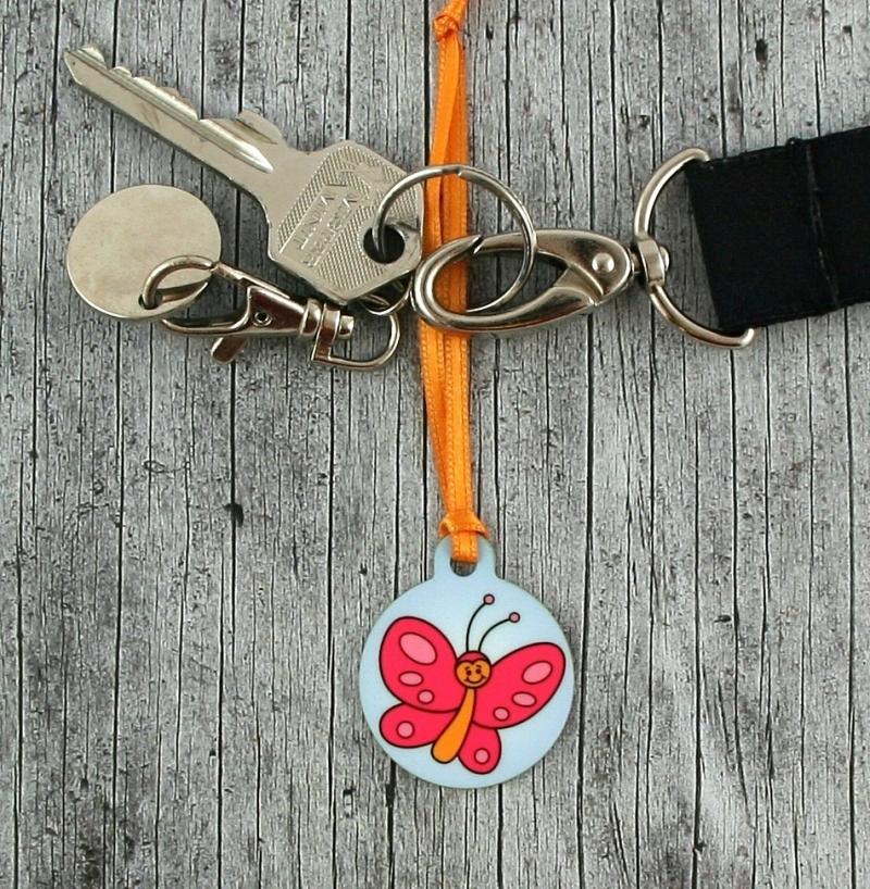 Kleinesbild - Anhänger **Finchen Falter** von ZWEIFARBIG 3,2cm Glücksbringer Kindergarten Geburtstag Einschulung Schlüsselanhänger Geschenk