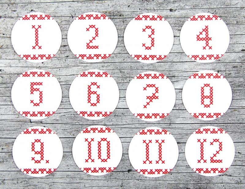 Kleinesbild - Adventskalenderzahlen **geSTICKt** von ZWEIFARBIG 24 Stück 40mm Aufkleber Adventskalender Zahlenaufkleber Advent Etiketten Adventszahlen Weihnachten