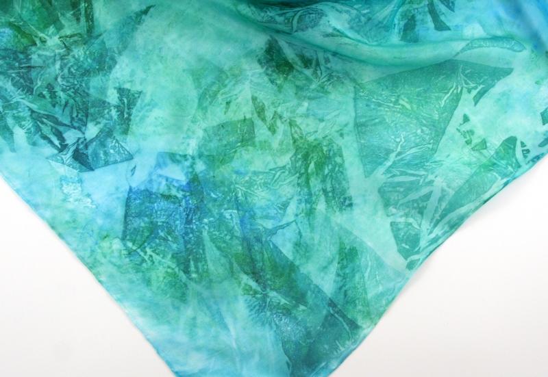 Kleinesbild - Seidentuch 55x55 cm AQUA Einzelstück von ZWEIFARBIG Geschenk für Frauen handgefärbt Nickituch Accessoire