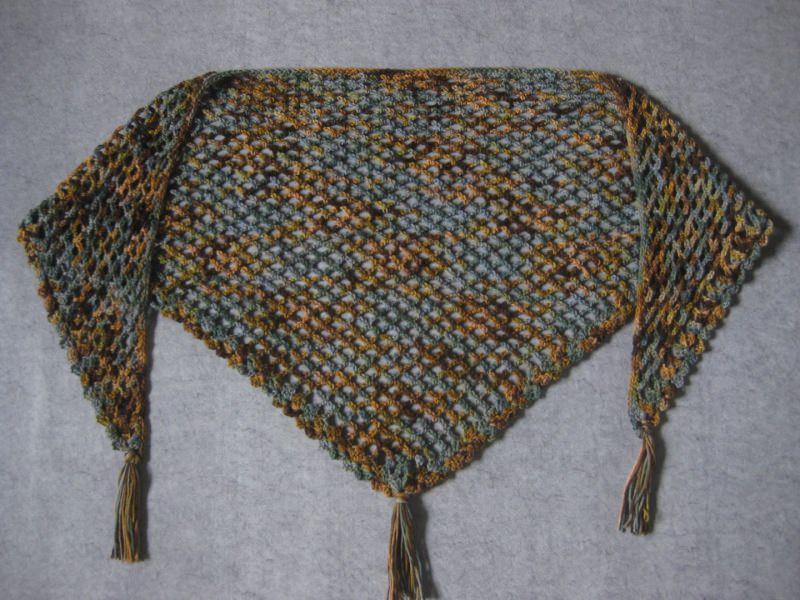 Kleinesbild - Dreieckstuch aus handgefärbter Wolle, Stola, Schultertuch, gehäkelt