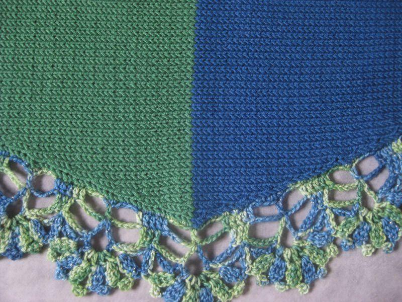 Kleinesbild - Dreieckstuch, Schaltuch aus extrafeier Merino-Wolle, gestrickt und gehäkelt, Schal, Stola