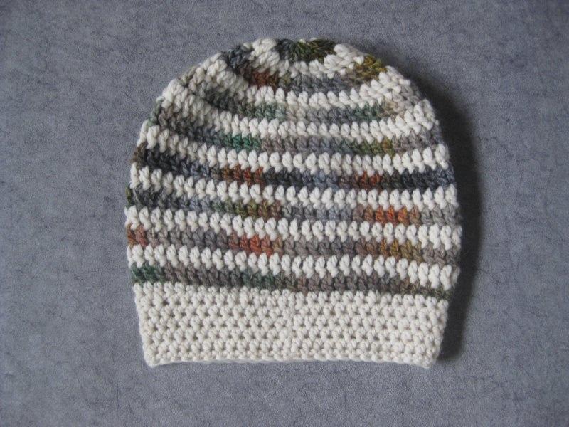 Kleinesbild - Mütze, Beanie im Spiral-Design in grau-bunt mit cremeweiß
