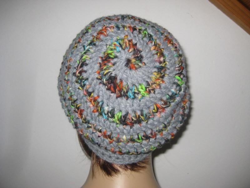 Kleinesbild - Mütze, Beanie im Spiral-Design in hellgrau-bunt