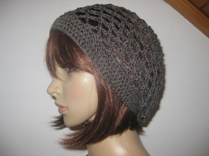 - Mütze, schwarzbraun glänzend, Sommermütze, Beanie - Mütze, schwarzbraun glänzend, Sommermütze, Beanie