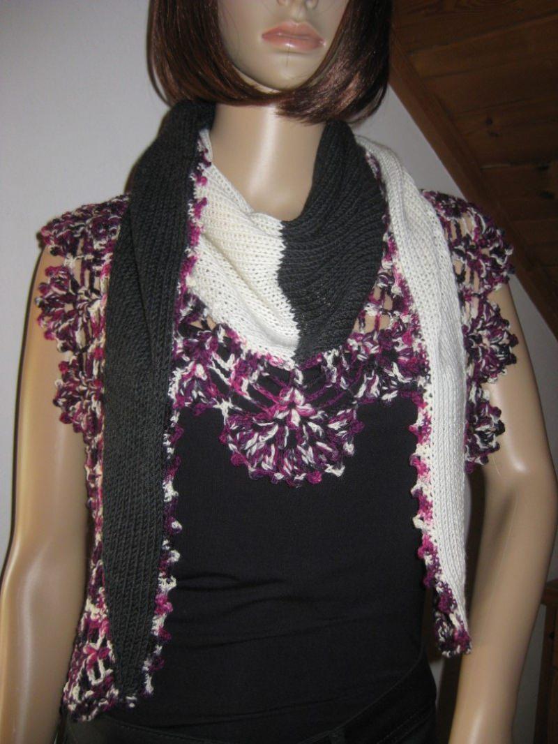 Kleinesbild - Dreieckstuch, Schaltuch aus super weicher Wolle, gestrickt und gehäkelt, Schal, Stola