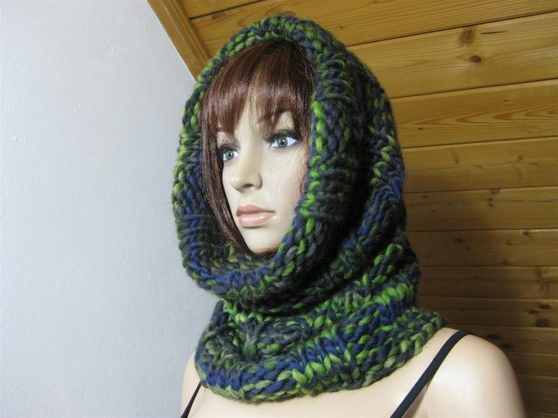 Kleinesbild - Schlauchschal, Rundschal, Loop, Schal, gestrickt in schönen Farben aus weicher Wolle