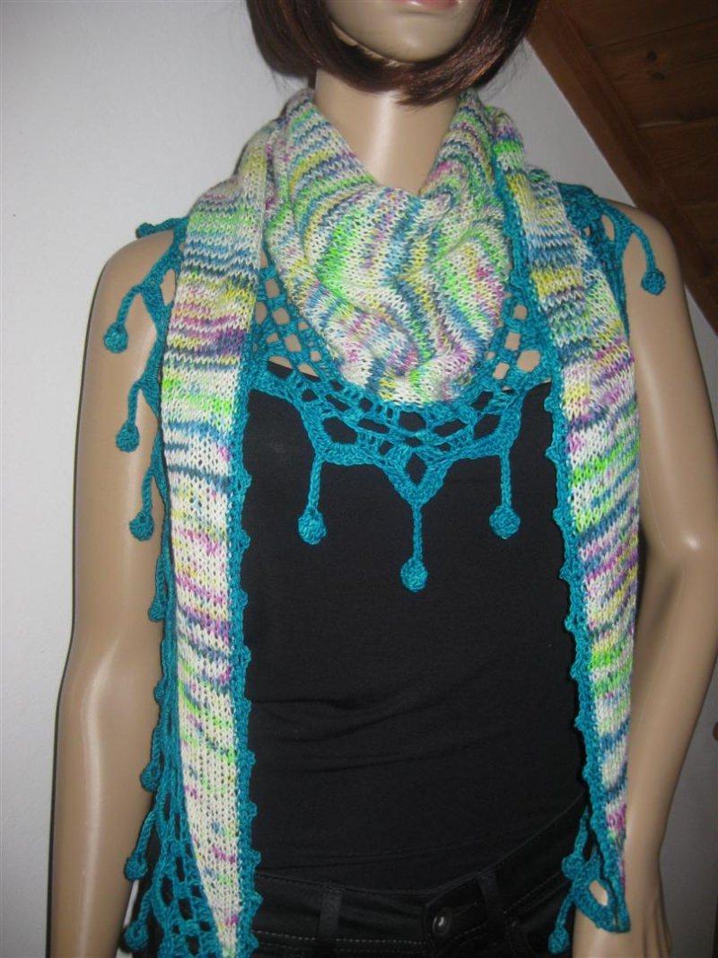Kleinesbild - Dreieckstuch, Schaltuch aus handgefärbter Wolle mit interessantem Farbverlauf, gestrickt und gehäkelt, Schal, Stola