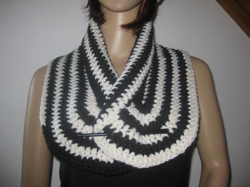 Kleinesbild - Schal, Halsschmeichler im Spiraldesign