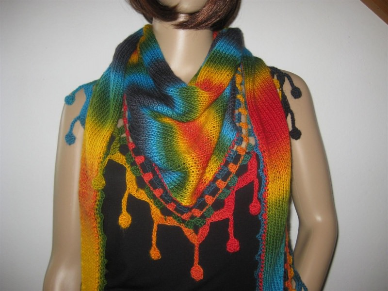 - Dreieckstuch, Schaltuch mit wunderschönem Farbverlauf, gestrickt und gehäkelt, Schal, Stola - Dreieckstuch, Schaltuch mit wunderschönem Farbverlauf, gestrickt und gehäkelt, Schal, Stola