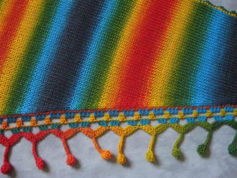 Kleinesbild - Dreieckstuch, Schaltuch mit wunderschönem Farbverlauf, gestrickt und gehäkelt, Schal, Stola