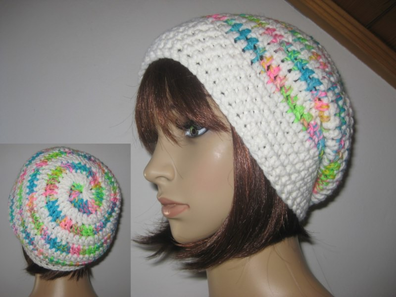 - Mütze im Spiral-Design gehäkelt, weiß und neonbunt, Beanie, Häkelmütze - Mütze im Spiral-Design gehäkelt, weiß und neonbunt, Beanie, Häkelmütze