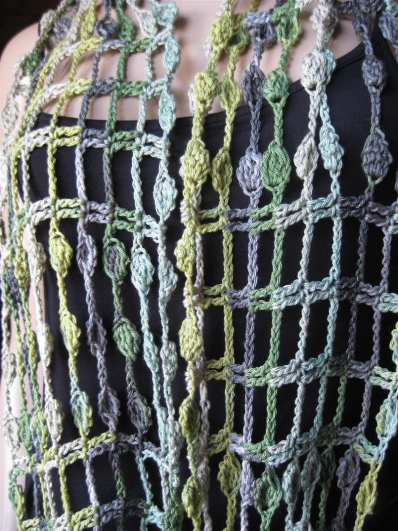 Kleinesbild - Schmuckschal, Ausgefallener Häkelloop aus seidig glänzender Baumwolle