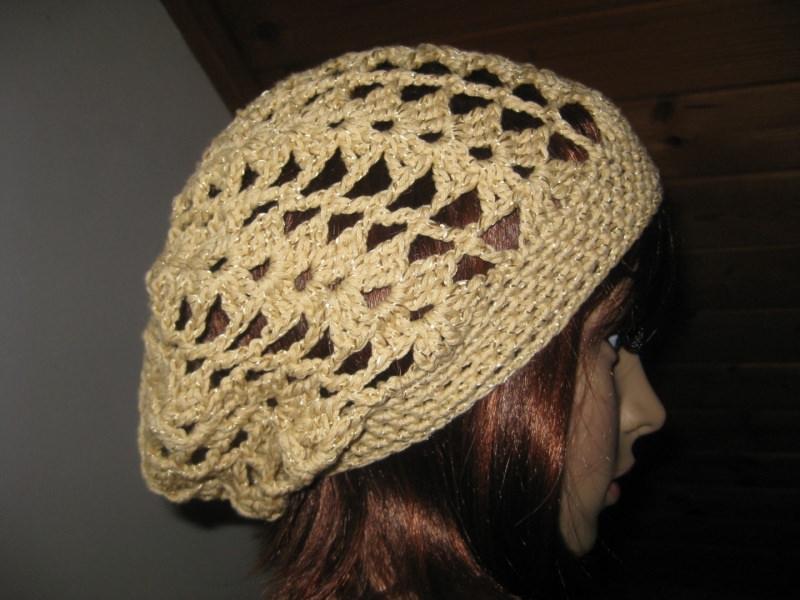 - Mütze beige-goldfarben glänzend, Beanie, Häkelmütze, gehäkelt, mit Baumwolle - Mütze beige-goldfarben glänzend, Beanie, Häkelmütze, gehäkelt, mit Baumwolle