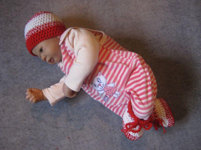 Kleinesbild - Babymütze + Babyschuhe, Babysocken aus exrafeiner Merino-Wolle