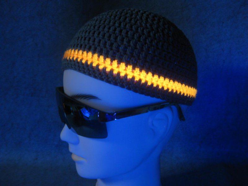 - Männermütze extrakurz (ohrfrei) mit UV-aktivem Leuchtstreifen, Mütze aus Baumwolle mit Elasthan  - Männermütze extrakurz (ohrfrei) mit UV-aktivem Leuchtstreifen, Mütze aus Baumwolle mit Elasthan