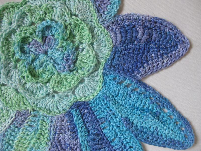 Kleinesbild - Applikation XXL, Freeform crochet mit Kunststoff-Perlen, aus Baumwolle