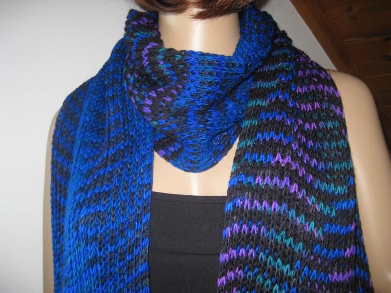 - Ausgefallener langer Schal, gestrickt, in auffälligen Farben, Stola - Ausgefallener langer Schal, gestrickt, in auffälligen Farben, Stola