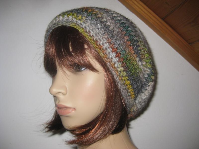Kleinesbild - Mütze, Beanie mit auffälligem Farbverlauf in grau-bunt