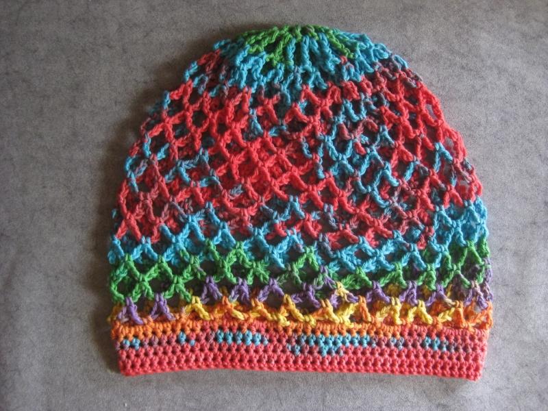 Kleinesbild - Mütze, Beanie, Sommer-Mütze mit buntem Farbverlauf