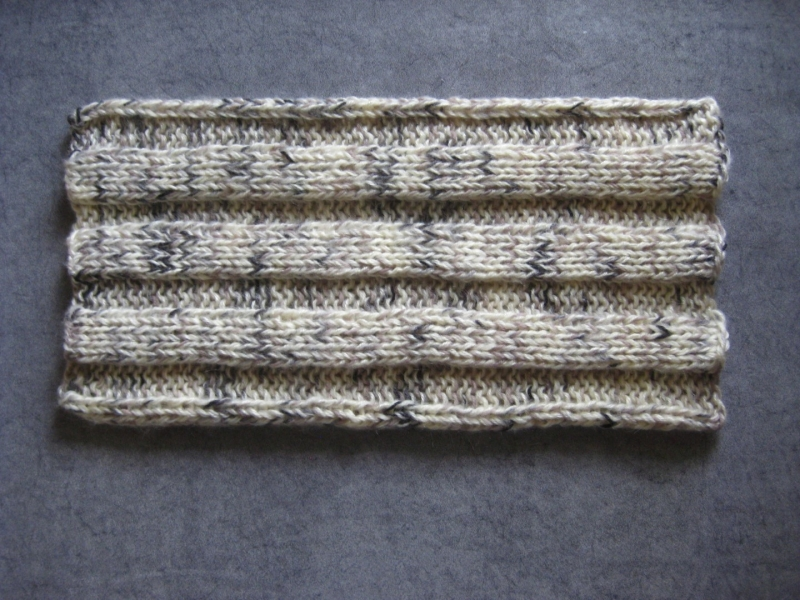 Kleinesbild - Schlauchschal,  gestrickt aus weicher Wolle mit Mohair, Rundschal, Loop, Schal