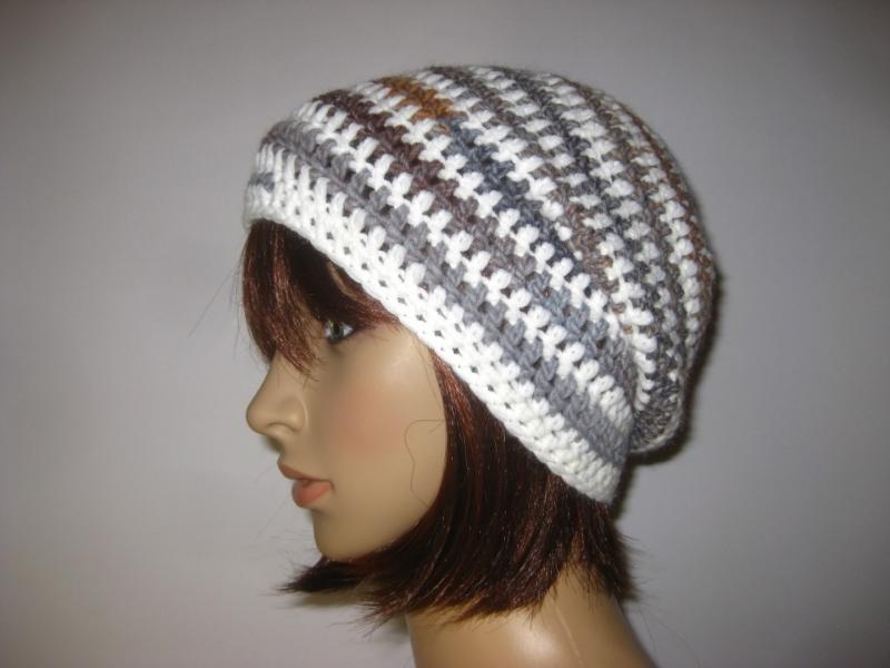 Kleinesbild - Mütze im Spiral-Design mit Farbverlauf, Beanie im Boshi Style, Häkelmütze