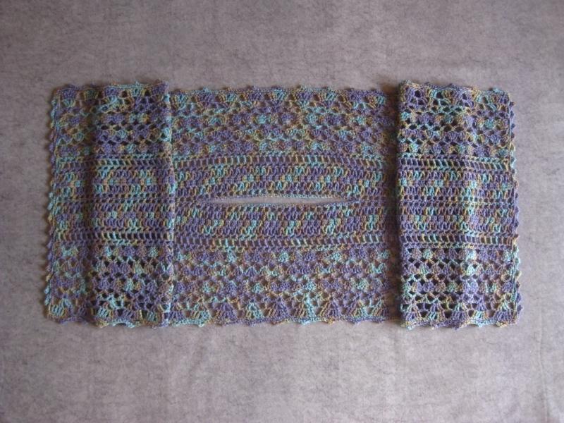 Kleinesbild - Schultetuch aus handgefärbter weicher Wolle, gehäkelt, Stola, Schal, Tuch