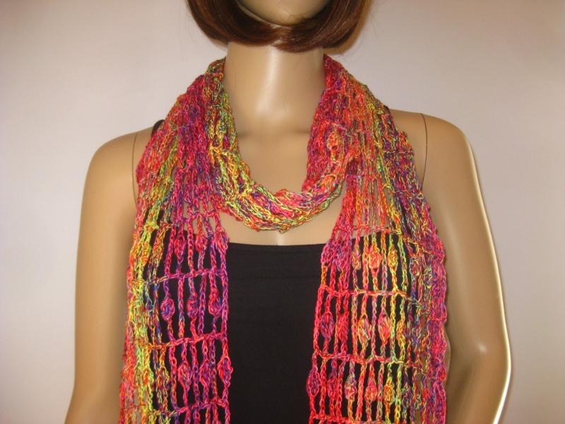 - Schal mit hübschem Muster in leuchtenden Farben, Sommerschal, Schmuckschal, Stola - Schal mit hübschem Muster in leuchtenden Farben, Sommerschal, Schmuckschal, Stola