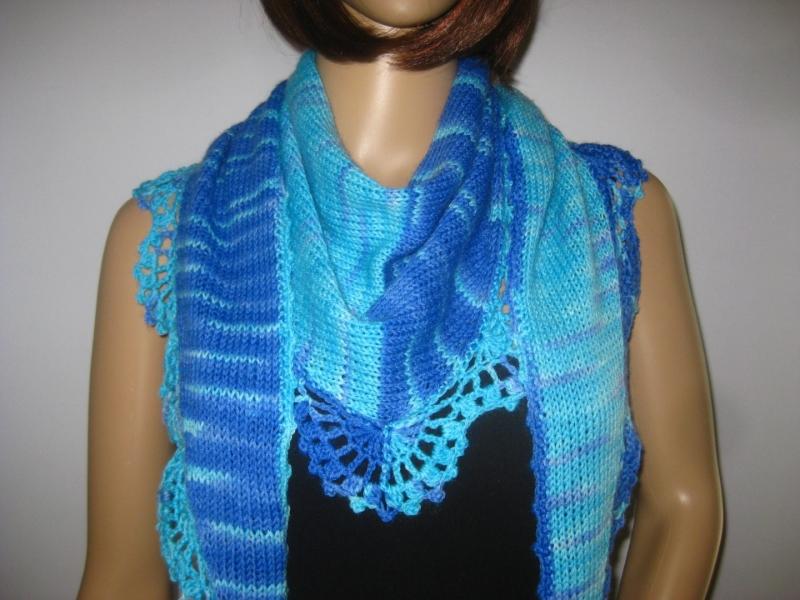 - Dreieckstuch, Schaltuch aus handgefärbter Wolle, gestrickt und gehäkelt, Schal, Stola - Dreieckstuch, Schaltuch aus handgefärbter Wolle, gestrickt und gehäkelt, Schal, Stola