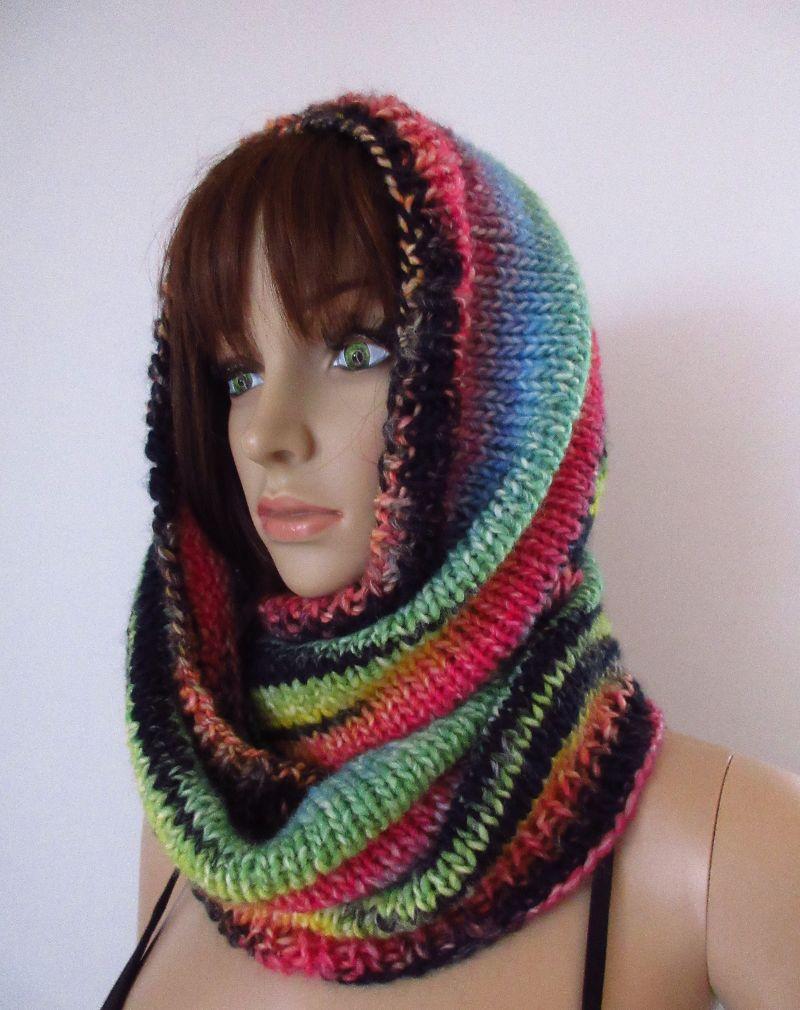 Kleinesbild - Großer Schlauchschal mit tollem Farbverlauf, gestrickt aus weicher Wolle, Rundschal, Loop, Schal