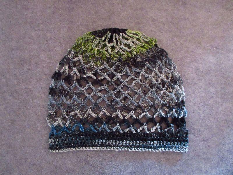 Kleinesbild - Mütze, Beanie, Sommer-Mütze mit schönem Farbverlauf, aus Baumwolle, Leinen und Viskose