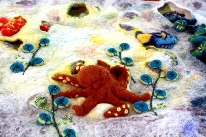 Kleinesbild - gefilzter Wandteppich zum Thema Meer, Riff mit Riffbewohnern