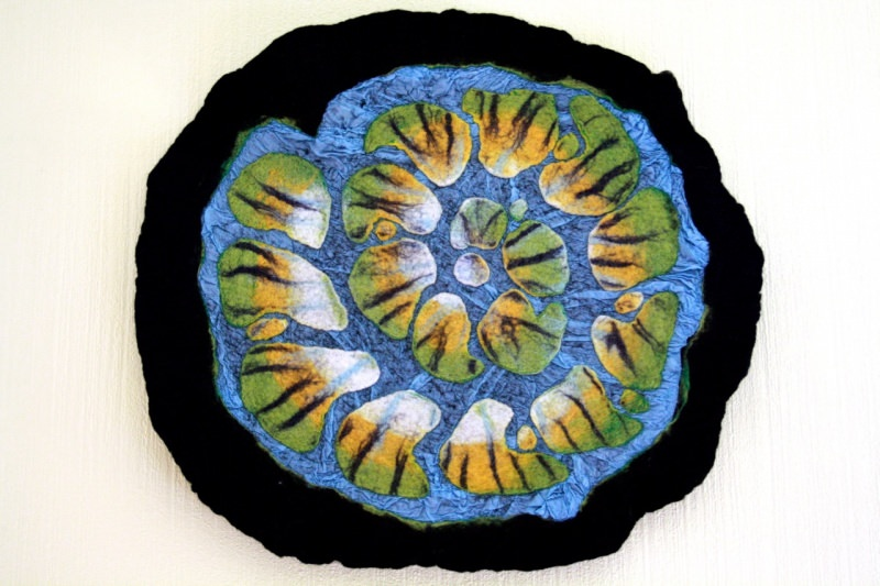 - Handgefilzter Teppich oder Wandteppich mit Seide - Handgefilzter Teppich oder Wandteppich mit Seide