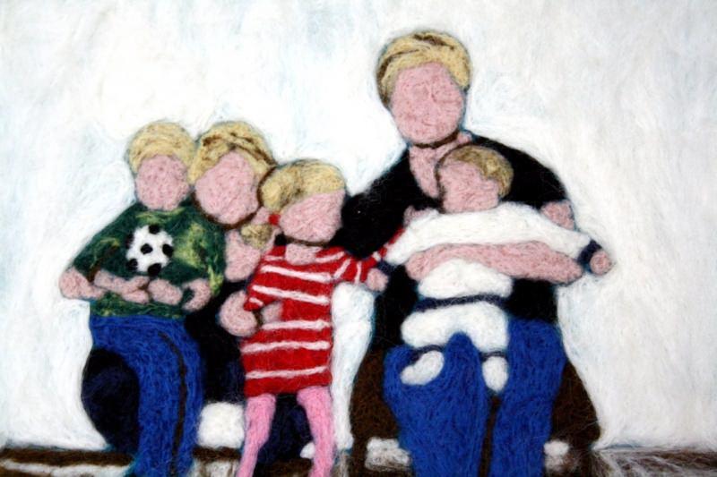 - Handgefilztes und Ihr ganz persönliches Familienportrait auf Anfrage - Handgefilztes und Ihr ganz persönliches Familienportrait auf Anfrage