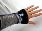 Kleinesbild - Handgefilzte Stulpen, Armstulpen mit Schneeflocken