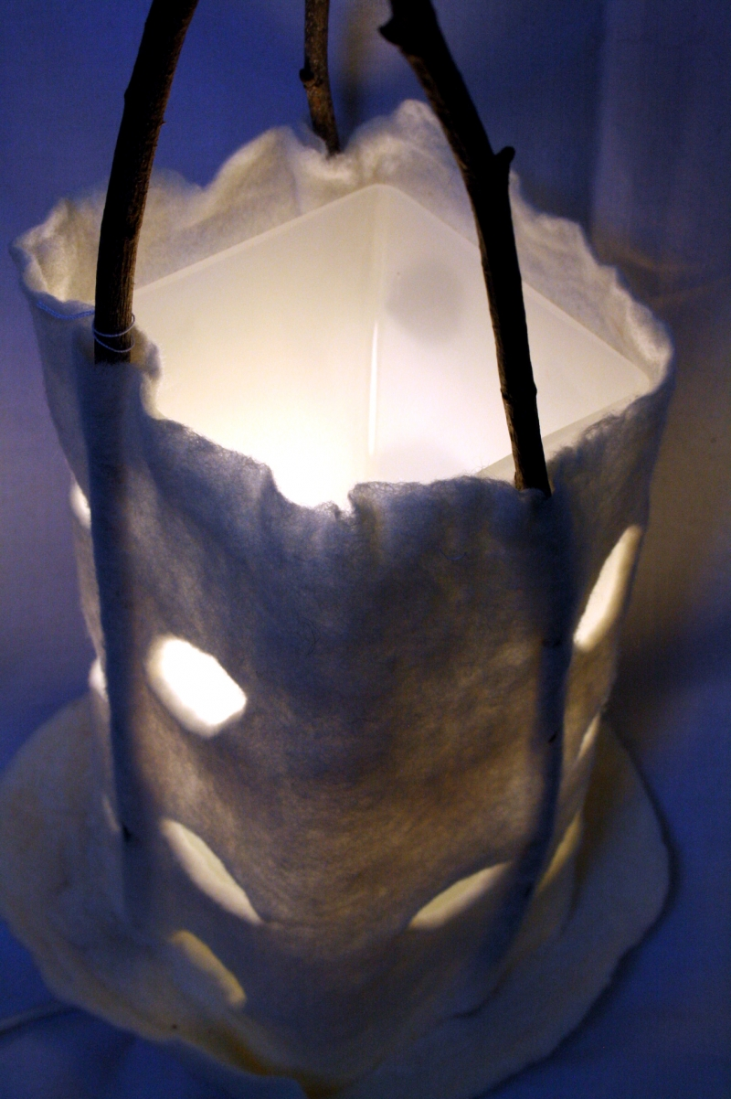 Kleinesbild - handgefilzter Lampenschirm, Filzlampe mit Schmetterling