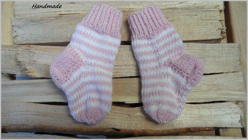 Kleinesbild -  Babysocken für Neugeborene, handgestrickt aus Wolle (Merino)