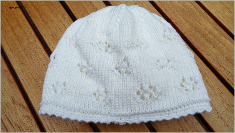 - Babymütze, Taufmütze, handgestrickt aus Baumwolle in weiß - Babymütze, Taufmütze, handgestrickt aus Baumwolle in weiß