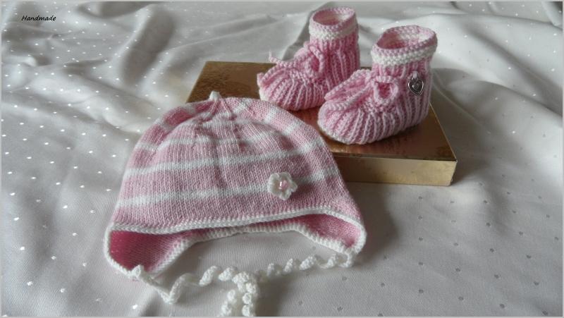 - Handgestrickte Babymütze mit passenden Babyschuhen, Gr. 0-3 Mon.  - Handgestrickte Babymütze mit passenden Babyschuhen, Gr. 0-3 Mon.