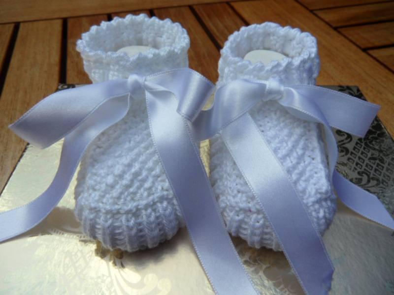 - Taufschuhe gestrickt, Größe 0-3 Mon., weiß aus 100 % Baumwolle - Taufschuhe gestrickt, Größe 0-3 Mon., weiß aus 100 % Baumwolle