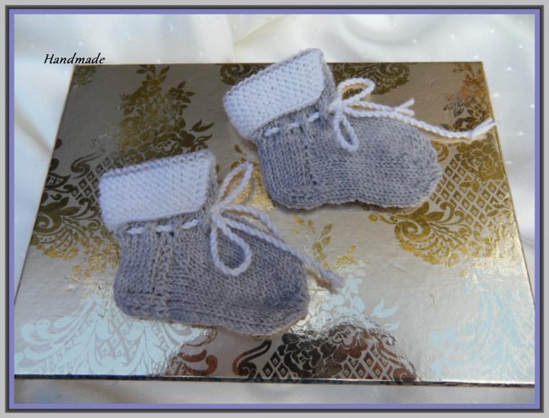 Kleinesbild - Gestrickte erste Babysocken, 0-3 Mon., aus  100 % Wolle (Merino)