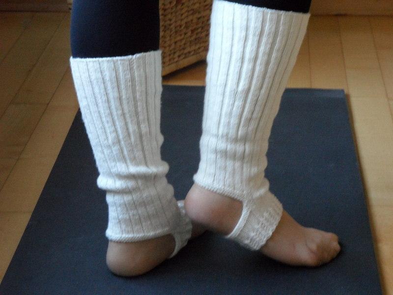 Kleinesbild - Yogasocken Ballett Pilates handgestrickt aus Wolle/Polyamid/Seide