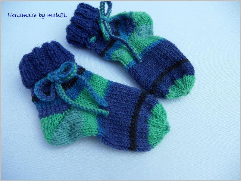 Kleinesbild - Babysocken, handgestrickt, zum Binden 3-6 Mon.